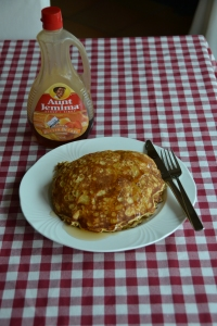 Pinterest Cooking: Oatmeal Pancakes Recipe from the Eatniks blog.